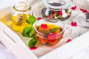 Завтрак с чаем и мёдом
