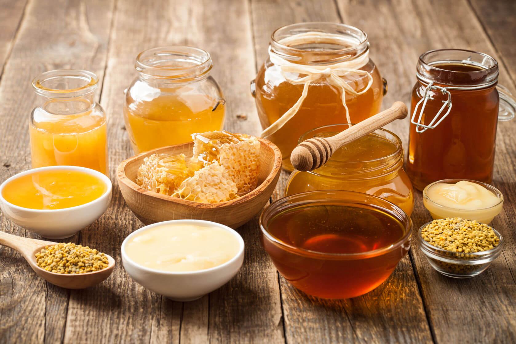 шесть разных сортов мёда