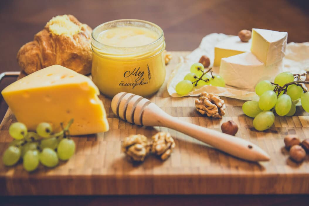 Мёд с сыром